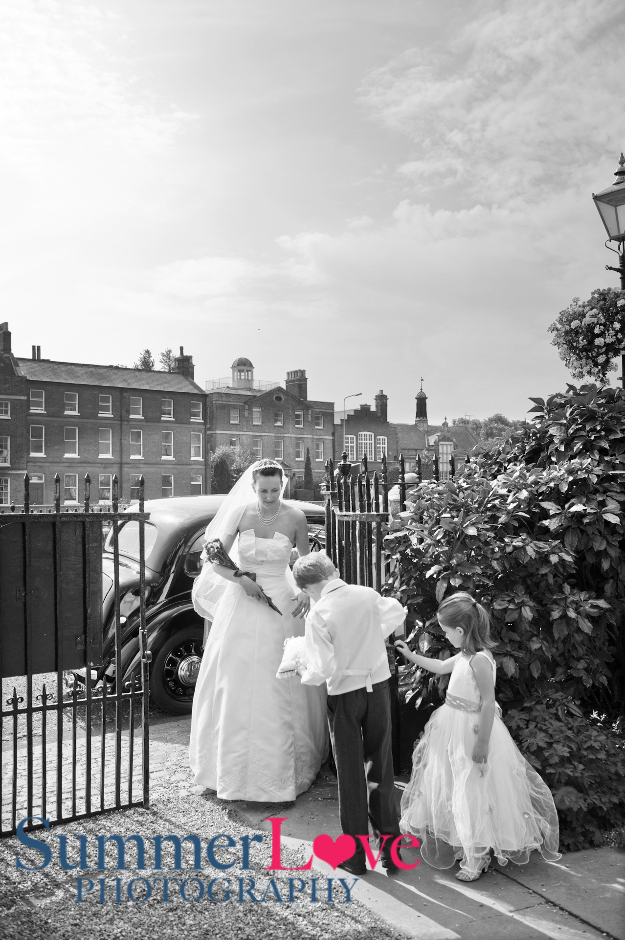 Nicole Tristan http://summerlovephotography.co.uk/blog/nicole-tristan-got-married-peckover-house-wisbech-cambridgeshire/