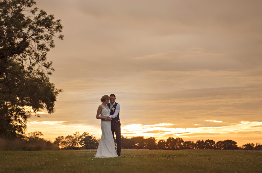 red barn norfolk wedding photography